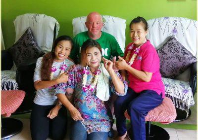 Customer and staff of Bussaba Massage
